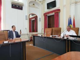 Joc la dublu: Pesedistul Mihai Baneş se ţine de biznis şi propagandă pe bani publici