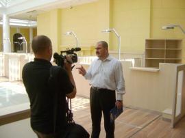 România, te plătesc! Cum a ajuns Bolojan să decidă taxele speciale din piramidă