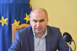 Retrospectiva săptămânii, prin ochii lui Bihorel: De ce ar vrea Bolovan să cazeze refugiaţii în casele de pe strada Sucevei
