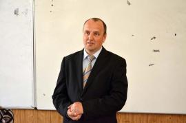 Director cu somaţii: Directorul Colegiului Emanuil Gojdu, Florin Nicoară, nu mai vrea să-i apară poza şi numele la ziar