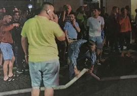 Ödön, pompierul: În foame de publicitate, deputatul UDMR de Bihor Szabó Ödön se laudă că a pus mâna pe un furtun al pompierilor