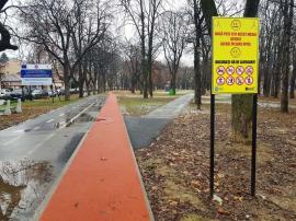 Instrucţiuni de folosire: Pistă de alergare cu indicatoare de circulaţie, în Oradea