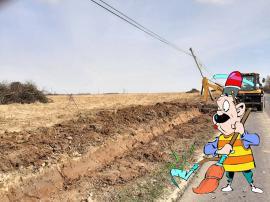 Curăţenie fără autonomie: Primarul maghiar din Cetariu nu s-a dat în lături de la curăţarea drumurilor (FOTO)