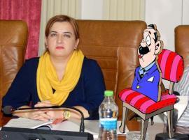 În două luntri: Controversata şefă a juriştilor din Consiliul Judeţean, pusă abuziv directoare şi la Patrimoniu