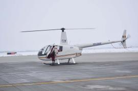 Pista Moșului: Moș Crăciun a aterizat cu elicopterul pe Aeroportul din Oradea