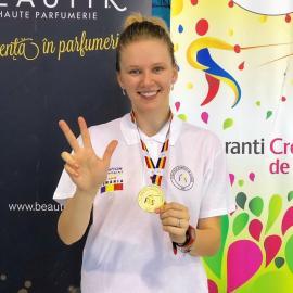 Prima performanţă din noul an: Bianca Benea a câştigat titlul naţional la spadă feminin juniori!