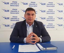 Hop şi ALDE, cu tupeu: Cristina Antik poate să facă performanţă la Aeroport, doar şi Bolojan a fost cândva comerciant
