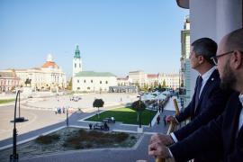 Cu ce te ajută pe tine, bihorean, că Dan Barna va fi președintele României?