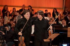 Duelul viorilor la Oradea: Va câștiga Stradivarius sau Guarnieri, vioara care i-a aparținut George Enescu?