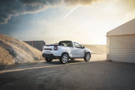 Dacia lansează versiunea Duster pick-up. Noul model, disponibil la Auto Bara! (FOTO)