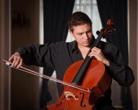 Program special la Filarmonică, cu violoncelistul Ştefan Cazacu