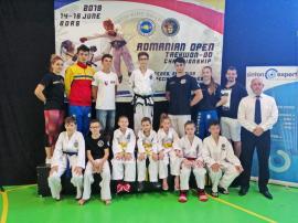 Sportivii de la King Do-Lions Oradea au cucerit 21 de medalii la Openul Internaţional de Taekwon-do al României
