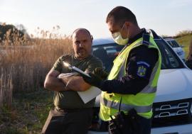 Sancţiune blândă: Timaru de la Garda Forestieră, penalizat doar cu 10% la salariu pentru hoinăreala cu Pásztor