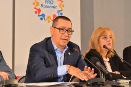 """Victor Ponta la Oradea: Miza alegerilor din 26 mai este """"mai mult decât europarlamentarii care merg la Bruxelles"""", şi anume ieşirea din """"cocina"""" lui Dragnea"""