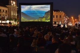TIFF Oradea a debutat cu un scurt filmuleţ despre catastrofa de la Palatul Episcopal Greco-Catolic (FOTO/VIDEO)