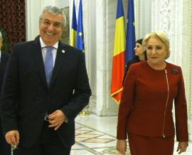 """Circ cu PSD şi ALDE: Dăncilă """"fură"""" trei membri ALDE şi îi desemnează miniştri, Tăriceanu îi dă afară din partid şi îi cere lui Iohannis să nu îi numească"""