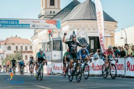 Turul României a ajuns la Oradea. Edi Grosu îmbracă tricoul galben în prima etapă (FOTO)