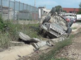 Accidentul din Beiuş: Şoferul ar fi adormit la volan, o întreagă familie şi-a pierdut viaţa! (FOTO / VIDEO)