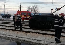 Concluziile poliţiştilor în accidentul de pe Borşului: Şoferiţa de BMW a pierdut controlul maşinii, pe zăpadă