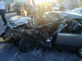 Accident frontal între un TIR şi un autoturism, pe DN 1, în Borod: Trafic blocat în zonă, o persoană a murit (FOTO)