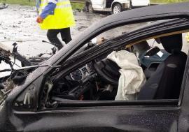 Impact frontal între un BMW şi un VW lângă Lazuri de Beiuş. Trei persoane au ajuns la spital