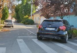 Accident în zona centrală a Oradiei: O femeie a fost izbită pe trecerea de pietoni