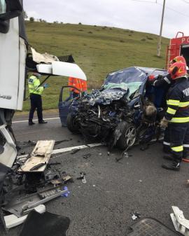 Accident grav pe drumul Oradea-Cluj Napoca: Două persoane au murit (FOTO / VIDEO)