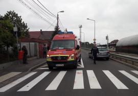 Accident pe Ecaterina Teodoroiu: Un pieton acroşat de o maşină a ajuns la spital cu piciorul şi umărul fracturate