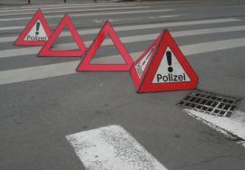 Un şofer a lovit trei tinere pe trecerea de pieton şi a fugit: poliţiştii l-au prins în trafic