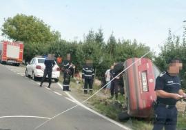Beat şi fără permis la volan, un tânăr din Săcueni şi-a înfipt maşina într-un cap de pod
