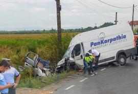 VIDEO cu momentul impactului în accidentul din Tileagd: Familia din Matiz n-a avut nicio şansă!