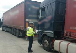 Acţiunea Truck & Bus în Bihor: 100 din cele 370 de autovehicule pentru transport persoane sau marfă controlate au fost sancţionate
