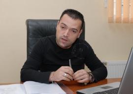 Şi falit, şi machit: Latifundiarul Adrian Mihuţ, în judecată după ce a fost prins băut la volan