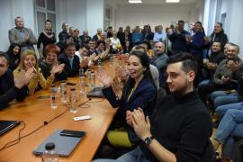 Liberalii au salutat cu aplauze, dar fără şampanie, victoria lui Iohannis. Cupşa a spus că scorul PNL-PSD e 4-0, iar Mălan că triumful obligă (FOTO / VIDEO)