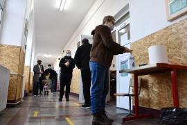 Alegeri parlamentare în Bihor: Până la ora 12, prezenţă la vot de 10%. Nu s-au semnalat incidente (FOTO / VIDEO)