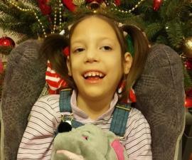 'Dăruieşte-i un zâmbet Alessandrei'. Concert caritabil pentru o fetiţă diagnosticată cu cinci boli crunte