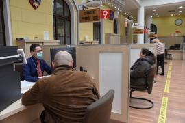 Vacanţă forţată: Angajaţii Primăriei Oradea, trimişi de Bolojan din nou în concedii
