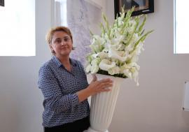 Avantaj, Angela! Directoarei de la Muzeul Orașului Oradea i se organizează concurs cu dedicație