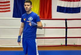 Orădeanul Angelo Covaci se pregăteşte cu lotul naţional de box pentru juniori, la Predeal