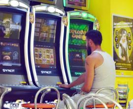 Asociaţia Gameslot susţine iniţiativa municipalităţii orădene de a interzice jocurile de noroc în zona centrală