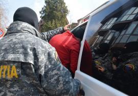 Doi dintr-o lovitură: Un hoţ şi un escroc au fost prinşi de polițiștii din Aleșd