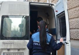 Cele două femei din Bihor care au ademenit un turist la o partidă de sex în trei în Băile Felix ca să-l tâlhărească au fost încarcerate