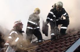 Atenţie la hornuri: 25 de incendii produse de coșurile de fum în 22 de zile, în județul Bihor