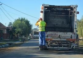 Frăţia gunoaielor: Locuitorii din Săcueni, obligați să plătească salubritatea odată cu impozitele