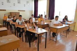 Primul examen scris de la Bacalaureat, fără incidente în Bihor: Niciun elev eliminat şi mai puţini absenţi decât în alţi ani (FOTO)