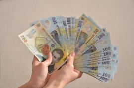 Ce spune ministrul de Finanțe despre mărirea alocațiilor pentru copii. Cu cât vor crește de la 1 august