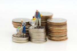 Lecţie de educaţie financiară: Elevii din Bihor, invitaţi la o lecţie despre bani, credite şi bănci