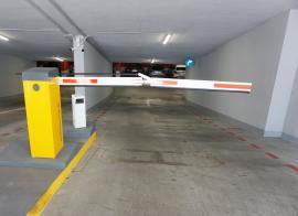 Ne enervează: În noua parcare subterană din strada Independenței din Oradea nu poți plăti cu cardul!