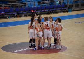 Bravo, fetelor! Victorie fără precedent pentru baschetbalistele U16 de la BCU Oradea cu CSS Sibiu: 74-51!