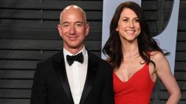 Cel mai bogat om din lume, fondatorul Amazon, divorţează. Câte miliarde ar putea primi soţia lui